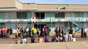 Leute besuchen Lorraine Motel, Memphis Tennessee. lizenzfreies stockbild