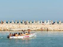 Leute-Boots-Reise auf dem Schwarzen Meer Stockfotografie