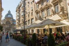 Leute in Bukarest stockbild