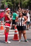 Leute in den Straßen von Rio de Janeiro während des Karnevals Lizenzfreie Stockfotos