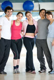 Leute an der Gymnastik Stockfoto