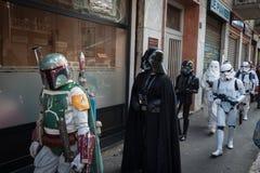 Leute der 501. Legion nehmen an der Star Wars-Parade in Mailand, Italien teil Lizenzfreie Stockfotografie