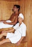 Leute in der Sauna stockfotografie