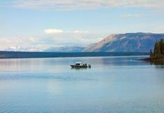 Leute, die in den Yukon-Territorien fischen Lizenzfreie Stockbilder