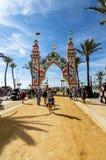 Leute, die einen guten Tag bei Feria de Sanlucar de Barrameda genießen lizenzfreie stockbilder