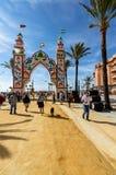 Leute, die einen guten Tag bei Feria de Sanlucar de Barrameda genießen lizenzfreie stockfotografie
