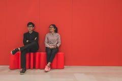 Leute, die Fuorisalone während Milan Design Weeks 2015 besuchen Lizenzfreie Stockfotos