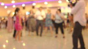 Leute, die gebürtigen Balkan-Tanz 18 tanzen stock footage