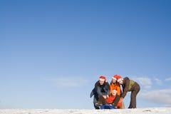 Leute, die Spaß am Winter haben stockfoto