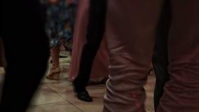 Leute, die 02 tanzen stock video