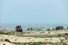 Leute, die zu Dhanushkodi reisen Stockbilder