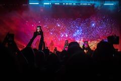Leute an einem Konzert lizenzfreies stockfoto