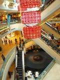 Leute am Einkaufszentrum Stockfotos