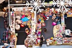 Leute entspannen sich und genießen das Einkaufen Stockfotografie