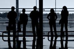 Leute am Flughafen Stockfotografie