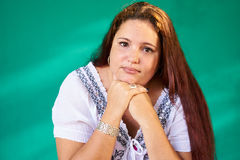 Leute-Gefühl-traurige besorgte deprimierte überladene Latina-Frau Lizenzfreies Stockbild