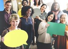 Leute-globale Kommunikations-Sprache-Blasen-Kopien-Raum-Konzept Lizenzfreie Stockfotos