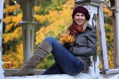 Leute: Herbstträumen lizenzfreie stockfotografie