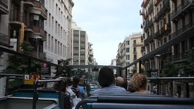 Leute im Bus stock video footage
