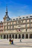 Leute im Piazza-Bürgermeister in Madrid, Spanien Lizenzfreie Stockfotos