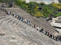 Leute im römischen Amphitheatre, Lyon, Frankreich Lizenzfreies Stockfoto