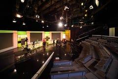 Leute im Studio der Ostankino Fernsehstation Lizenzfreie Stockbilder