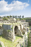 Leute innerhalb Herculaneums Stockfotografie
