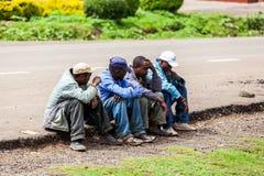 Leute in Kenia, die schwarzen Menschen, die Leben von Leuten in Afrika Lizenzfreies Stockfoto