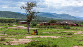 Leute in Kenia, die schwarzen Menschen, die Leben von Leuten in Afrika Lizenzfreie Stockfotos