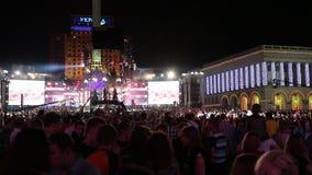 Leute am Konzert stock video