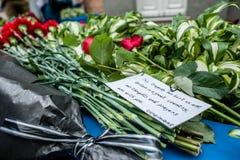 Leute in Kyiv ehren das Gedächtnis von denen, die im Terroranschlag in Manchester getötet werden Lizenzfreie Stockfotografie