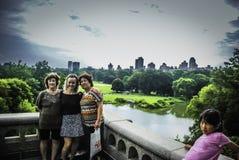 Leute machen Foto für selbst in Central Park, New York Lizenzfreie Stockbilder