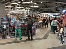 Leute an MBK-Einkaufszentrum, Bangkok Stockfotografie