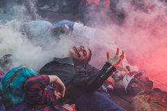 Leute nehmen am Zombie-Weg 2015 in Mailand, Italien teil Lizenzfreie Stockbilder