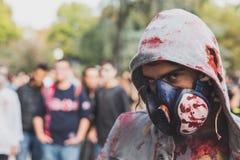 Leute nehmen am Zombie-Weg 2015 in Mailand, Italien teil Lizenzfreies Stockfoto