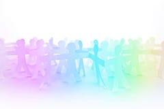 Leute-Papier schnitt Kette als Mengen-oder Teamwork-Konzept Lizenzfreie Stockfotografie