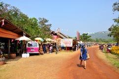 Leute reisen und gehend in Jim Thompson Farm in Nakhon Ratchas Stockfotografie
