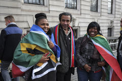 Leute an Südafrika-Haus für Mandela-Denkmal Stockfotos