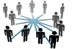 Leute schließen im Sozialmedianetz oder -geschäft an Lizenzfreies Stockbild
