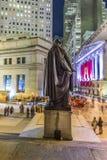 Leute schließen sich der Partei bei Wall Street wegen Ferraris Wall Street an Lizenzfreie Stockfotografie