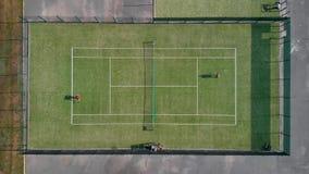 Leute spielen Draufsicht des Tennis stock footage