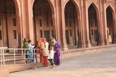 Leute um das Fatehpur Sikri Lizenzfreie Stockfotos