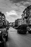 Leute und Straßen der nostalgischen Küsten-Stadt - die Türkei lizenzfreies stockbild