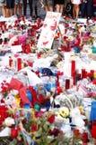 Leute vereinigten sich auf Barcelona-` s Rambla nach Terrorist atack wieder Lizenzfreies Stockfoto