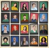 Leute-Verschiedenartigkeit stellt menschliches Gesichts-Porträt-Gemeinschaftskonzept gegenüber Stockfotos
