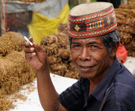 Leute von Indonesien, Tabakverkäufer lizenzfreie stockfotografie