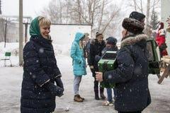 Leute während der Feier des Endes des Winters nannten Masleni Stockbilder