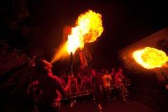 Leute während des Tages der Ruhe auf Bali in der Nacht Lizenzfreie Stockfotografie