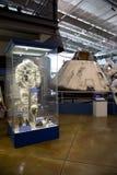 Leutebesuch Grenzen des Flug-Museums Dallas lizenzfreie stockfotos