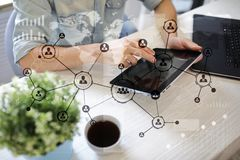 Leuteikonen-Struktur Soziales Netz Stunde Personalwesen-Management Geschäftsinternet und Technologiekonzept stockfotografie